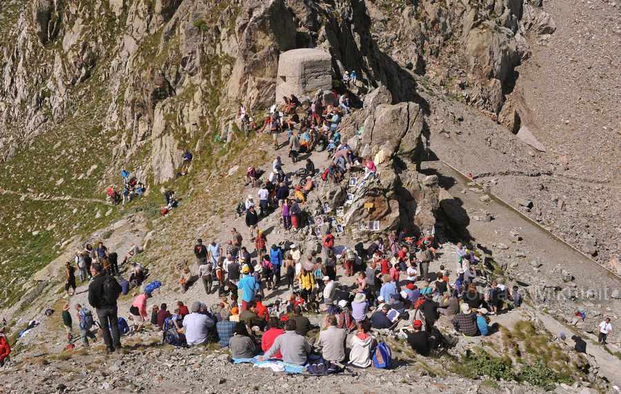 Colle di Finestra - 2.474 m, links Frankreich, rechts Italien - Foto: © Wolfram Mikuteit
