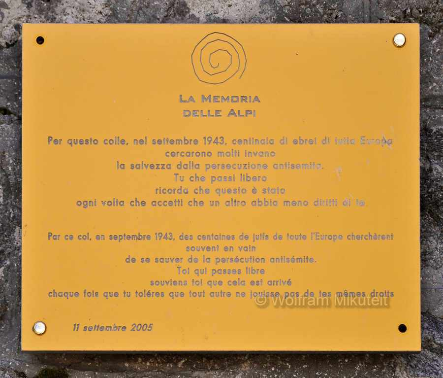 Colle di Finestra - 2.474 m - Gedenktafel La Memoria delle Alpi - Foto: © Wolfram Mikuteit