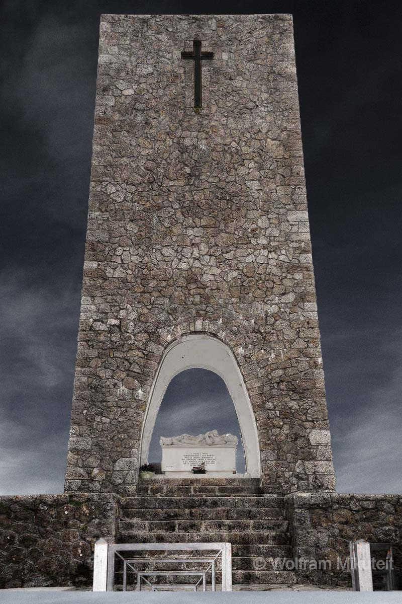 Ossario - Col di Cava - Sant Anna di Stazzema - Foto: © Wolfram Mikuteit