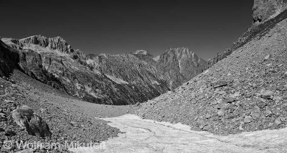beim Abstieg Blick nach Norden - Foto: © Wolfram Mikuteit