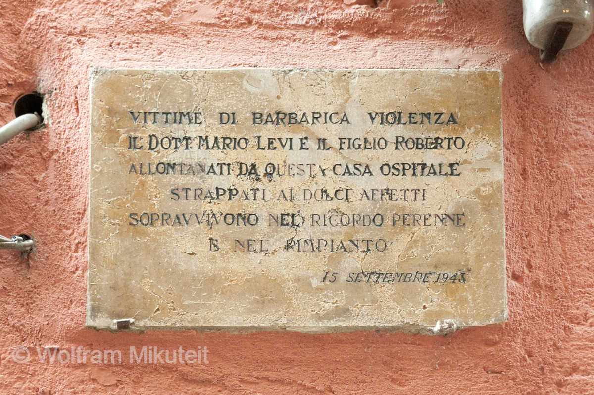 Erinnerungstafel für Mario und Roberto Levi, Orta - Foto: © Wolfram Mikuteit