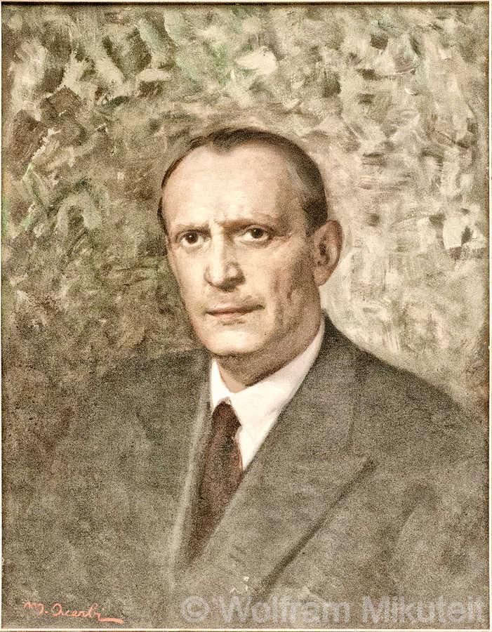 Ettore Tibaldi, im Sitzungssaal des Rathauses von Domodossola