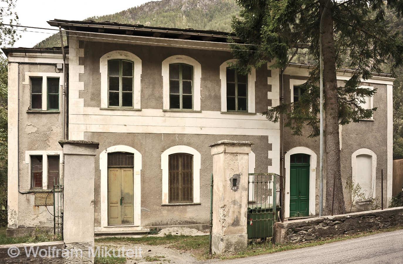 Schulhaus in Ricchiardi - Foto: © Wolfram Mikuteit