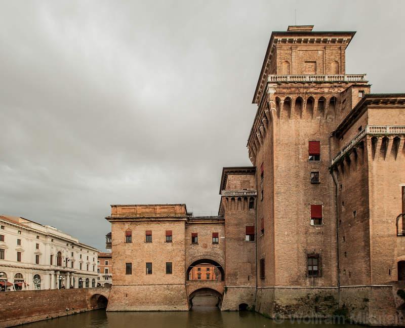 Castello Estense mit Wassergraben, Ferrara - Foto: © Wolfram Mikuteit